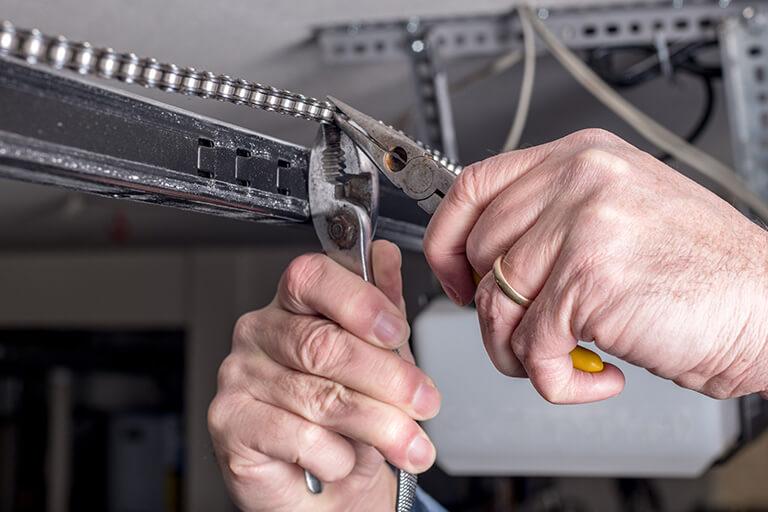 Garage Door Repair Saskatchewan